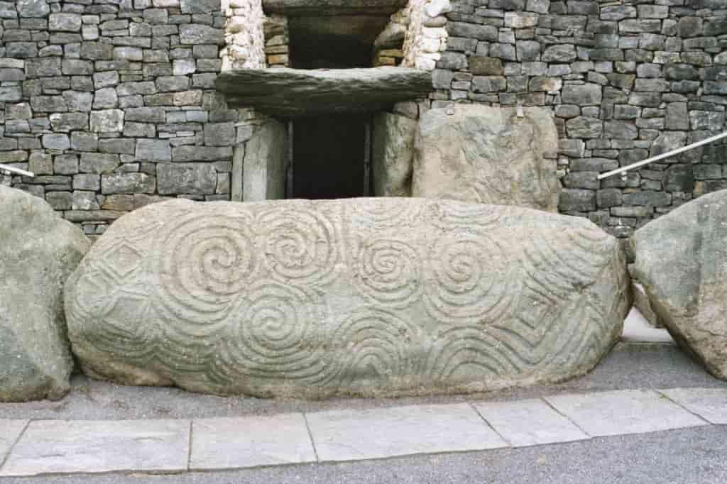 "Newgrange: Η Ιρλανδική ""Αμφίπολη"" των Αρχαίων Ελλήνων;"