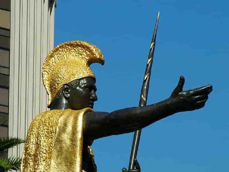Η Ελληνική Περικεφαλαία του Βασιλιά της Χαβάη