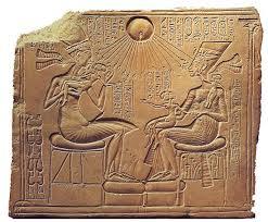 Το Μυστήριο του Μωυσή και του Ακενατόν με το Επιμήκες Κρανίο
