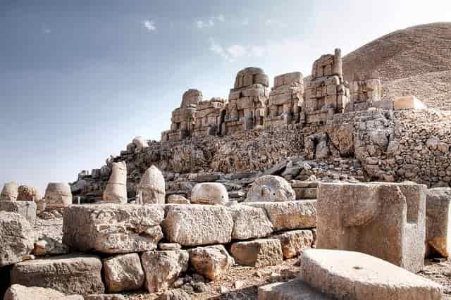 Νεμρούτ: Το «Βουνό των Θεών» Αποκαλύπτει το Ελληνικό Μυστικό του !!!