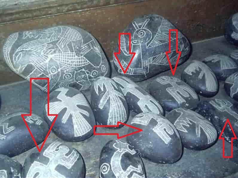 Όταν είδε αυτές τις Πέτρες του Περού Κατάλαβε ότι Είχαν Άμεση Σχέση με τον Θρόνο του Μίνωα στην Κρήτη