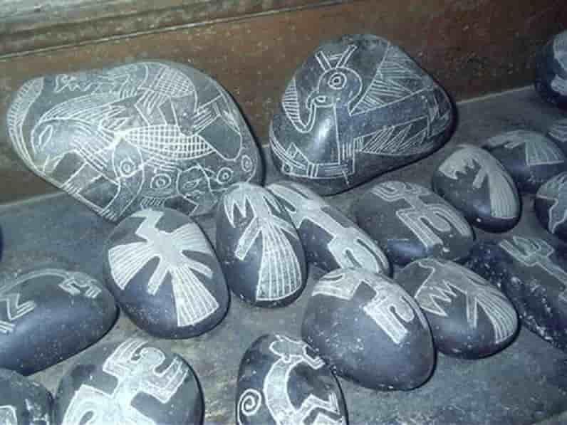 Το Διπλό Έψιλον στις Περουβιανές πέτρες Ica