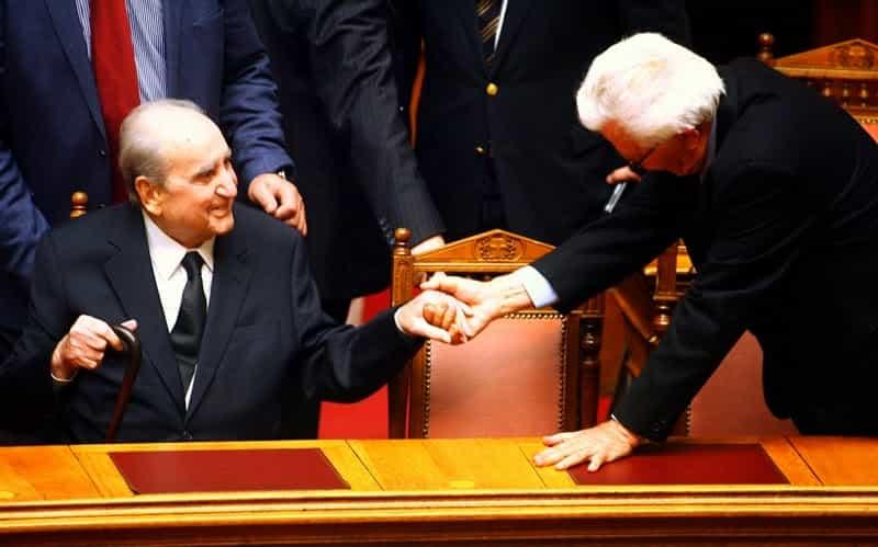 Μασονικές Χειραψίες Υψηλόβαθμων και Χαμηλόβαθμων Ελλήνων Πολιτικών