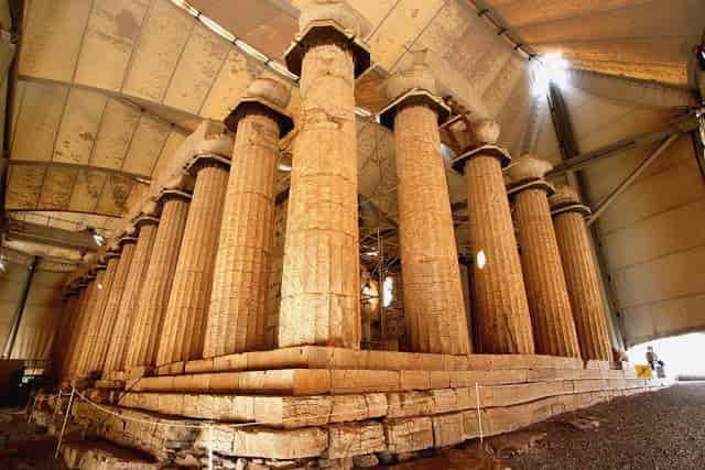 Ο Ναός του Επικούρειου Απόλλωνα που… Περιστρέφεται (video)