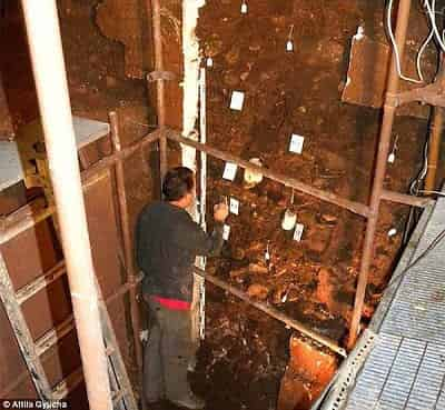 Ο αρχαιότερος τάφος στον κόσμο, στο Σπήλαιο Διρού