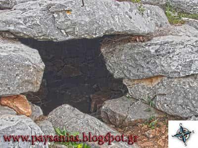 Το ''Δρακόσπιτο'' του Υμηττού και η Μυστηριώδης Επιγραφή