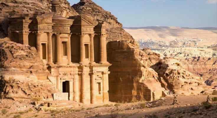 Άγνωστη αρχαία δομή «κρυμμένη σε κοινή θέα» στην Πέτρα