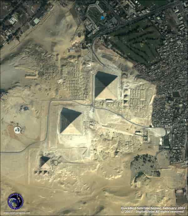 Πυραμίδες και Ηλεκτρονικό Κύκλωμα. Ποιό Μυστήριο Κρύβουν; (εικόνες)