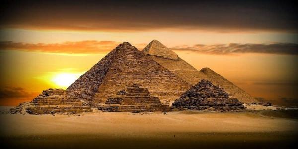 Ποιός Δημιούργησε τις Πυραμίδες σε Όλο τον Κόσμο (video)