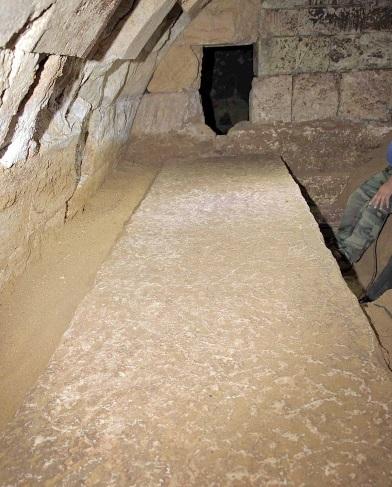 Κάτι τρέχει στον Τύμβο της Αμφίπολης; Πολλές αίθουσες ανιχνεύονται εντός του τύμβου (ΦΩΤΟ)
