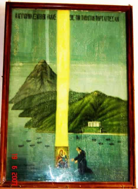 Μυστηριώδεις Στήλες Φωτός στο Άγιο Όρος