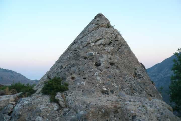Η «Πυραμίδα» των Χανίων και ο Μυστηριώδης Θάλαμος στο εσωτερικό της (εικόνες-video)