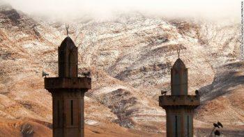 """Χιόνισε στην Σαχάρα από την... """"Υπερθέρμανση"""" του πλανήτη ! ! !"""