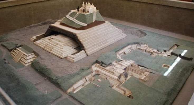 Cholula: Μία από τις Μεγαλύτερες Πυραμίδες του Κόσμου Κρυμμένη Μέσα σε ένα Βουνό