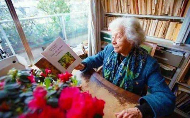 Ζακλίν ντε Ρομιγύ: «Όλος ο κόσμος πρέπει να μάθει Ελληνικά»
