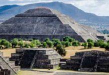 Πυραμίδα του Φτερωτού Ερπετού