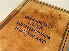 Δεν υπάρχει χώρα.. κράτος Γερμανία... ΑΝΩΝΥΜΗ ΕΤΑΙΡΕΙΑ, είναι