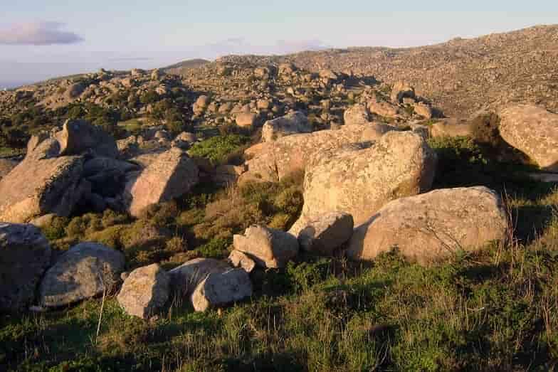 Άγνωστα νεκροταφεία βρυκολάκων σε μυστηριώδη ερημονήσια της Ελλάδας