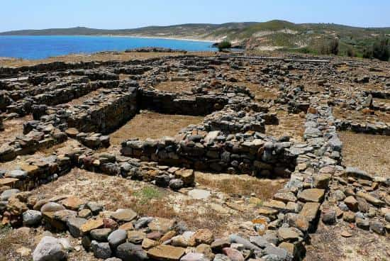 Πολιόχνη: Η Ελληνική Πόλη που Θεωρείται η Αρχαιότερη της Ευρώπης