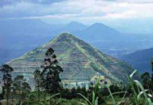 Η πυραμίδα της Ινδονησίας