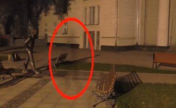 Βιντεοσκοπούσαν αμέριμνα όταν αυτό που είδαν τους Πάγωσε το αίμα (video)