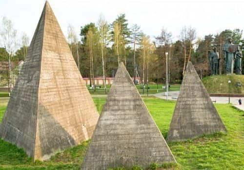 Ρωσία Κατασκευάζει Πυραμίδες στην Επικράτειά τη
