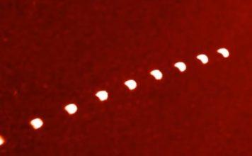 ΓΙΑΤΙ τα UFOs ΤΑΞΙΔΕΥΟΥΝ σε ΟΜΑΔΕΣ των ΕΝΝΕΑ; (video)