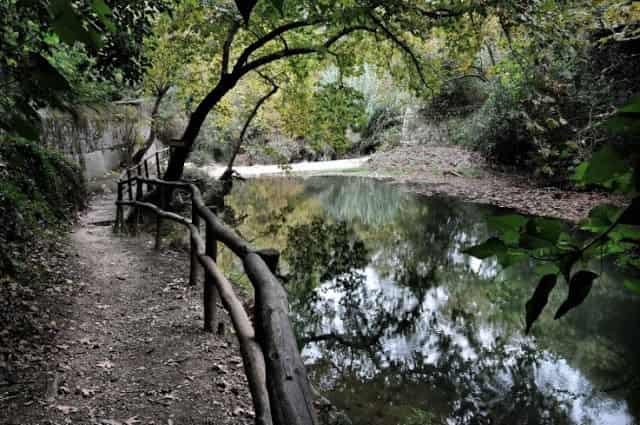 Νεραϊδόσπηλιος Κρήτης: Ο Μυστηριώδης Τόπος όπου Γεννήθηκε η Θεά Αθηνά