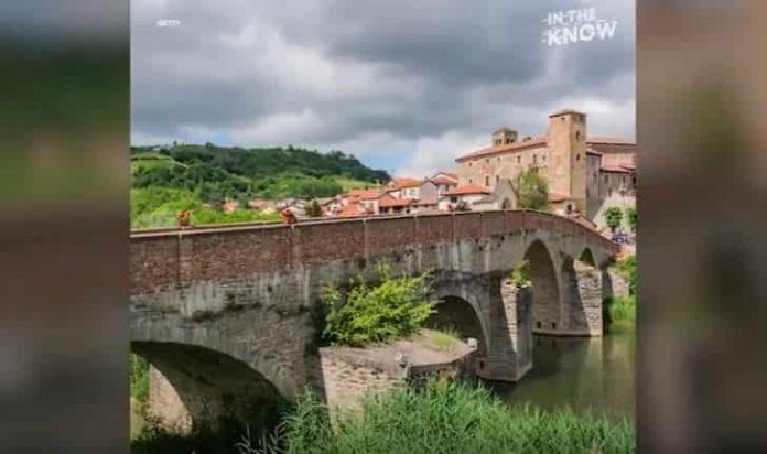 Η Ιταλία Πληρώνει 1.900 ευρώ Όποιον Πάει να Μείνει σε Αυτό το Χωριό !!!
