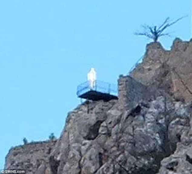 Επισκέφθηκαν τον Άγιο Ιλαρίωνα Κύπρου. Αυτό όμως που Φωτογράφησαν ΤΟΥΣ ΕΚΟΨΕ ΤΑ ΥΠΑΤΑ !!!