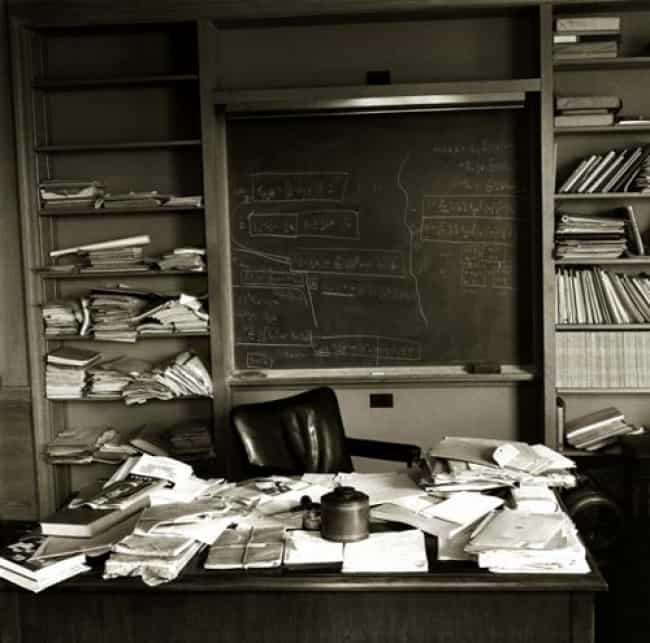 Αυτό είναι το γραφείο όπου εργαζόταν ο Άλμπερτ Αϊνστάιν.