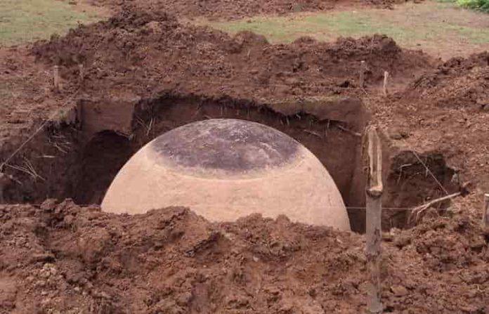 Έσκαβαν ώσπου Ξέθαψαν αυτήν την Πέτρινη Σφαίρα και «Οδηγεί» σε ένα Παράξενο Παρελθόν