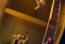 Η απίστευτη στιγμή που ένας πυροσβέστης σώζει ένα παιδί που πέφτει από φλεγόμενο κτίριο! (video)