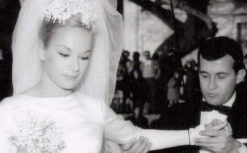 Ο γάμος της Αλίκης Βουγιουκλάκη και του Δημήτρη Παπαμιχαήλ, 53 χρόνια πριν. Το Givenchy νυφικό από τη... Νίτσα και το ξύλο [εικόνες]