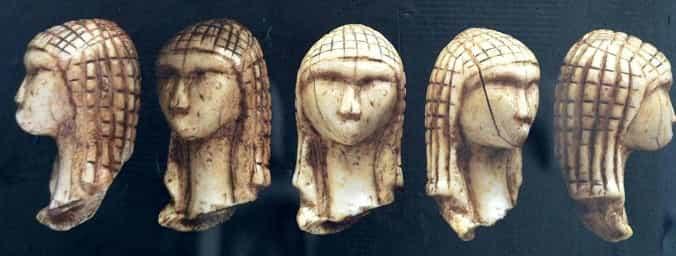 Η Αφροδίτη του Brassempouy. Παραδέχονται ότι είναι 25.000 χρονών ΑΛΛΑ ΔΕΝ ΤΟΛΜΟΥΝ να πουν το «άλλο»...