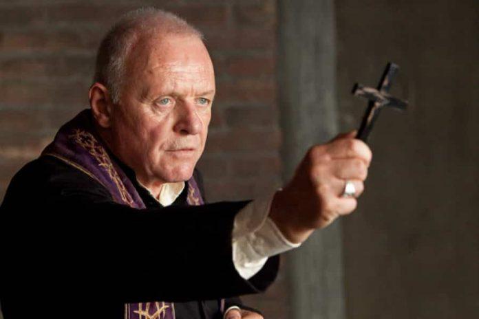 Οι Σκοτεινές Δυνάμεις Ενισχύονται. Το Βατικανό Παραμονεύει.