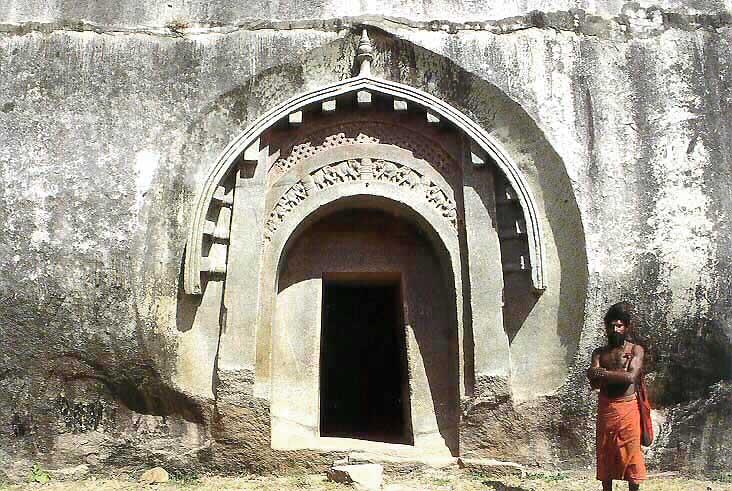 Βρέθηκαν Σπηλιές στην Ινδία που Λαξεύτηκαν με Αρχαίο Laser;