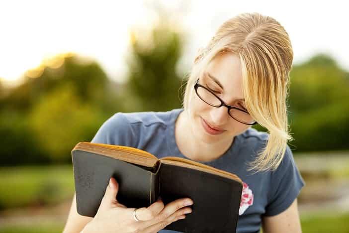 9 Τρόποι για να Μπορείτε να Θυμάστε Όλα Όσα Διαβάζετε