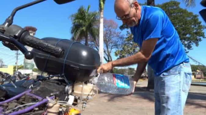 Με Νερό Αντί για Βενζίνη Κινείται Αυτή η Μοτοσικλέτα