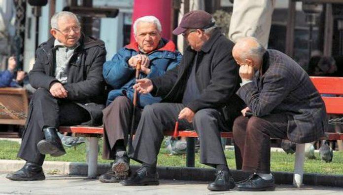 Οι Έλληνες Χάνονται. Η Ελλάδα έχει τον 6ο πιο γερασμένο πληθυσμό στον κόσμο!