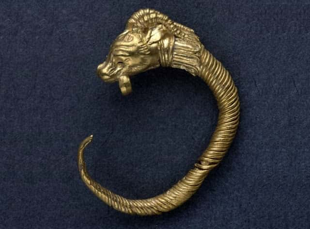 Εκπληκτικό Χρυσό Σκουλαρίκι Ελληνιστικής Εποχής Βρέθηκε στην Ιερουσαλήμ