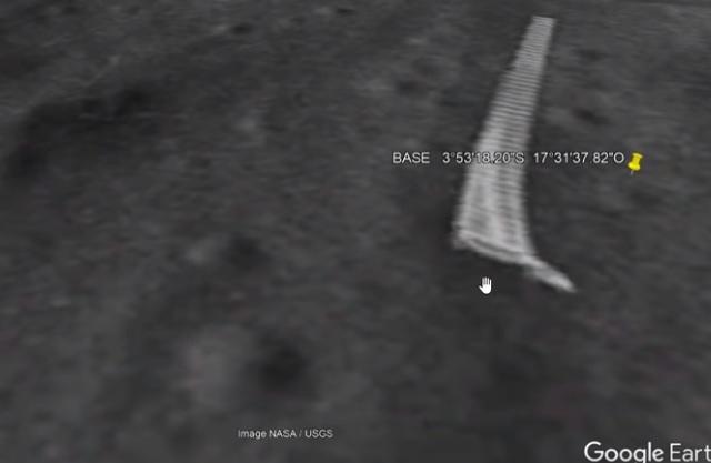 Αλλόκοτες Κατασκευές στην Σελήνη Αναστατώνουν το Διαδίκτυο (video)