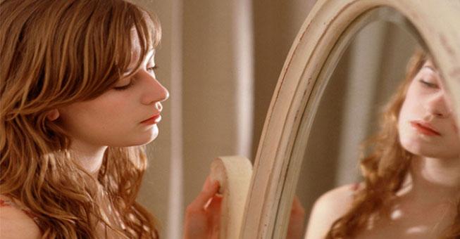 5 Σημάδια που Δείχνουν ότι Δεν Σέβεσαι τον Εαυτό σου