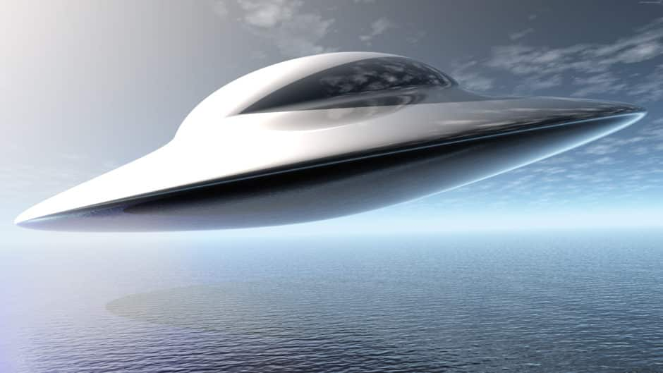UFO Πάνω από τα Τρίκαλα Πετάει Δίπλα σε Αεροπλάνο