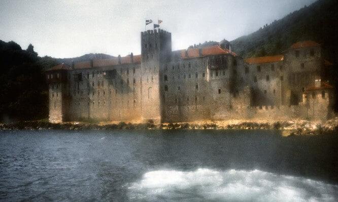 Οι Θρύλοι για το Άβατο του Αγίου Όρους: Τι Συνέβη στους Τούρκους που Θέλησαν να Φέρουν τις Γυναίκες τους