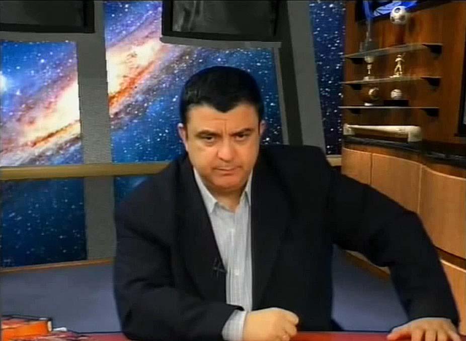 Λιακόπουλος: Τι Αποκάλυψε για τη Σκοτεινή Πλευρά της Σελήνης
