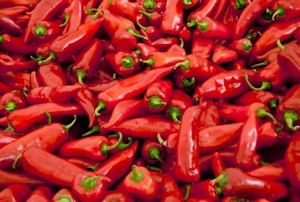 Κόκκινες Πιπεριές: Το Βαρύ Πυροβολικό για την Υγεία