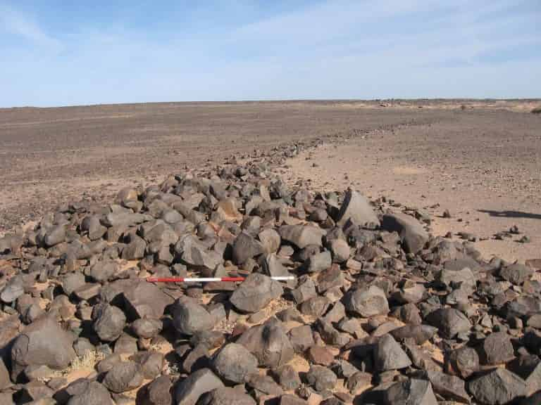 Μυστηριώδεις Λίθινες Κατασκευές Χιλιάδων Χρόνων Ανακαλύφθηκαν στη Σαχάρα