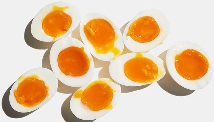 Άρχισα να Τρώω 3 Βραστά Αυγά την Ημέρα για 1 Μήνα. Αυτά Είναι τα Αποτελέσματα