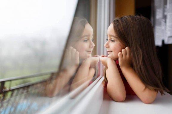 Τι Είναι ένα «Κρυστάλλινο Παιδί» και τι Πρέπει να Προσέχετε